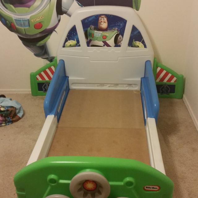 Buzz lightyear toddler bed great condition