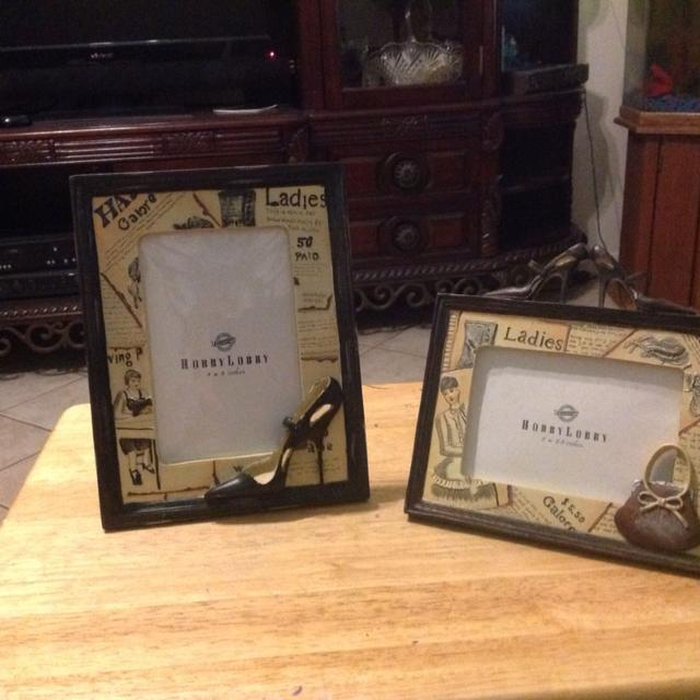 picture frames one is 3 x 5 inches with shoes and a purse and the