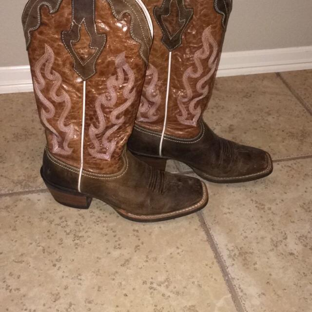 028f6921c37 Best Woman s Ariat Crossfire Caliente Squared Toe Boots. for sale in Tulsa