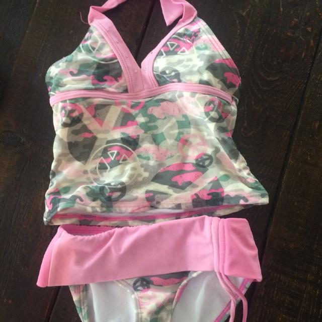811371f212 Find more Justice Pink Camo Tankini Swim Suit. Size 6. Good Used ...