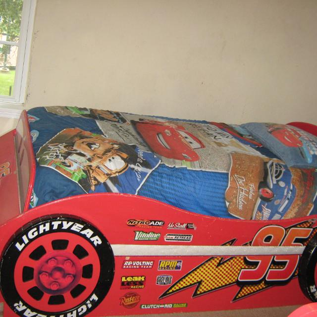 Lightning Mcqueen Trundle Bed