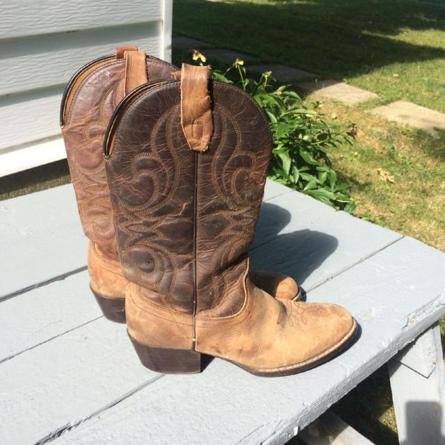 9945341a676 Genuine leather cowboy boots size 9