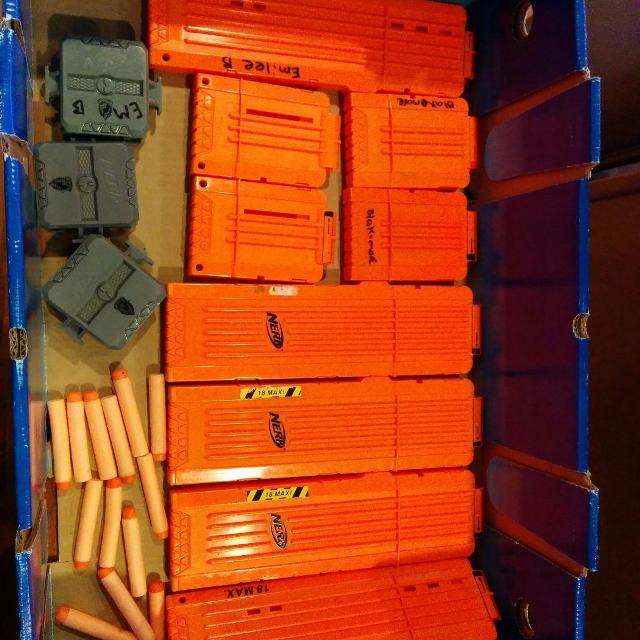 BIG lot of nerf gun clips, connectors and some darts