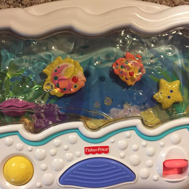 Find more fisher price ocean wonders aquarium crib mobile for Fisher price fish bowl