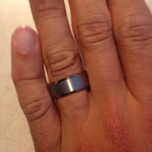 Bnib Mens Tungsten Carbide Wedding Band Colour Silver 8mm Size 9 Took Out Of Box To Take Pic Size Is Too Big And Cant Return
