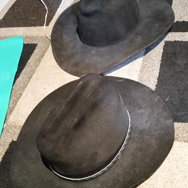 6da60f6a588ac Find more Cowboy Hats. One In Back Is Mht Westerns (3x Beaver Blend ...