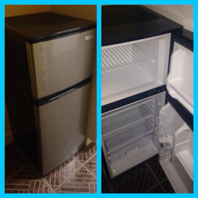 Vissani 4 3 cu  ft  mini refrigerator in stainless steel look (freezer is  on top)
