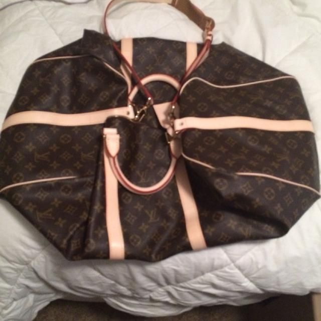 6cc8ab7e21a7 Find more Louis Vuitton Replica 55