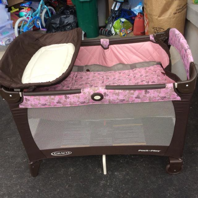 Find More Graco Pack N Play Pink And Brown Flowers Excellent