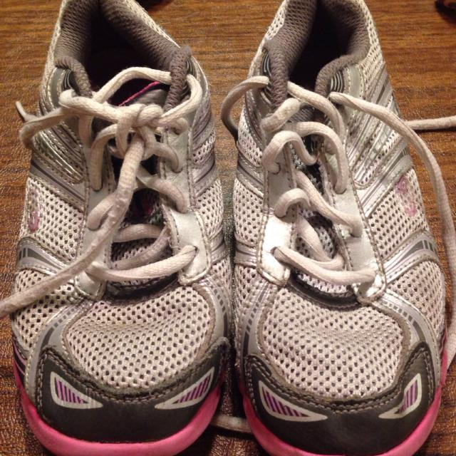 a162816d3d4 Best Champions Girls Youth Tennis Shoes Sneakers Gray Pink School Used Size  2 for sale in Deland