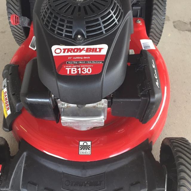 New Troy Bilt Gas Push Lawn Mower With Honda Engine Mulching