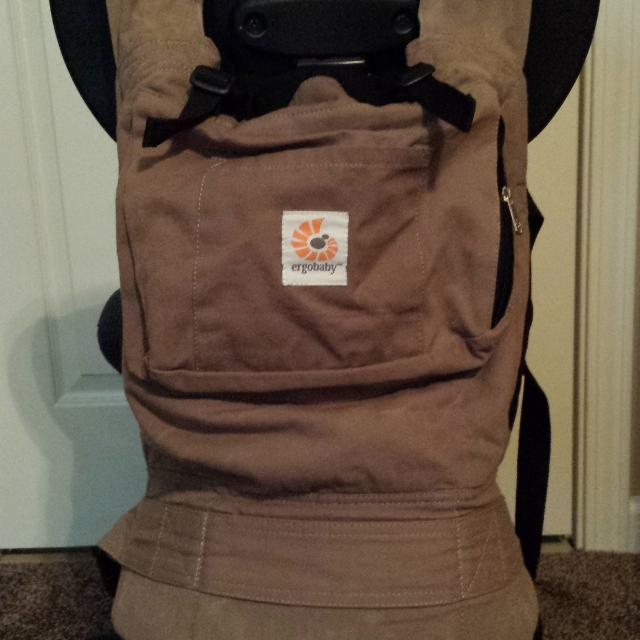 fff9ae7be56 ERGObaby original baby carrier aussie khaki. prefect color for both mom s  and dad s