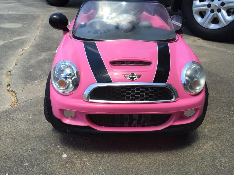 find more pink mini cooper electric car make an offer need gone for sale at up to 90 off. Black Bedroom Furniture Sets. Home Design Ideas