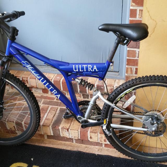 3a0c28156 Find more Men s 21 Speed Michelob Ultra Mountain Bike. Good ...