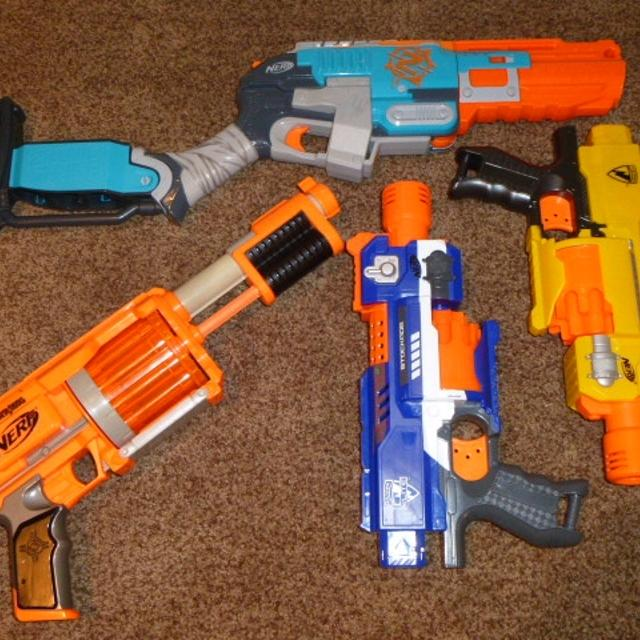 4-Nerf Gun Lot Barricade Stockade Fury Fire Zombie Strike Sledgefire Great  Working Condition