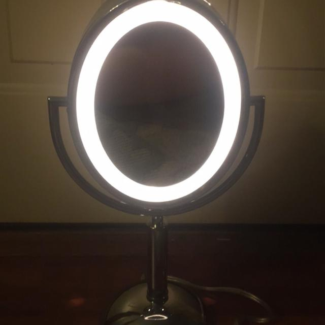 Find More Revlon Perfect Touch Lighted Oval Mirror For