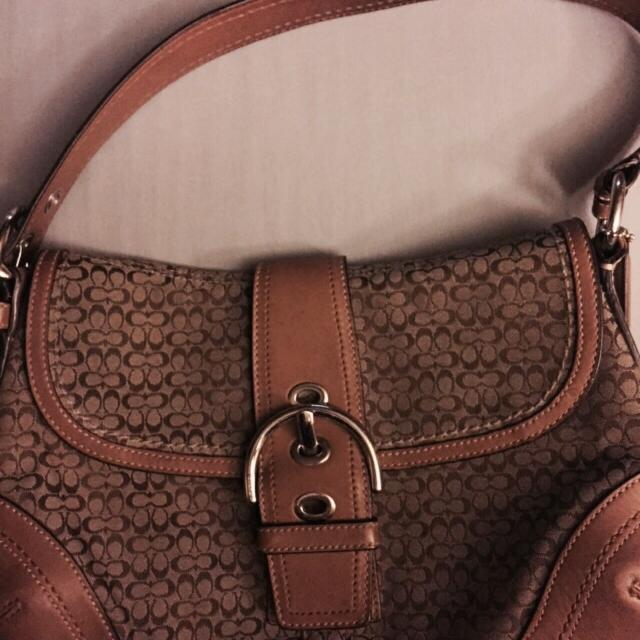 548952e7b95 Find more Great Coach Bag! Silver Hardware! Several Pictures In The ...