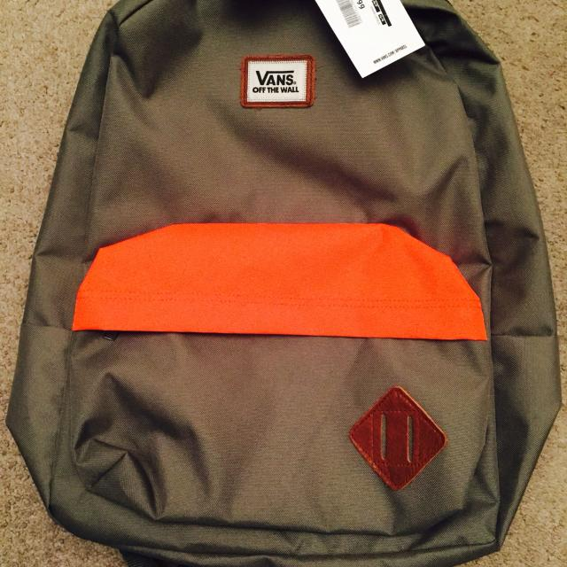 Best Brand New Vans Off The Wall Backpack In Khaki Green And ...