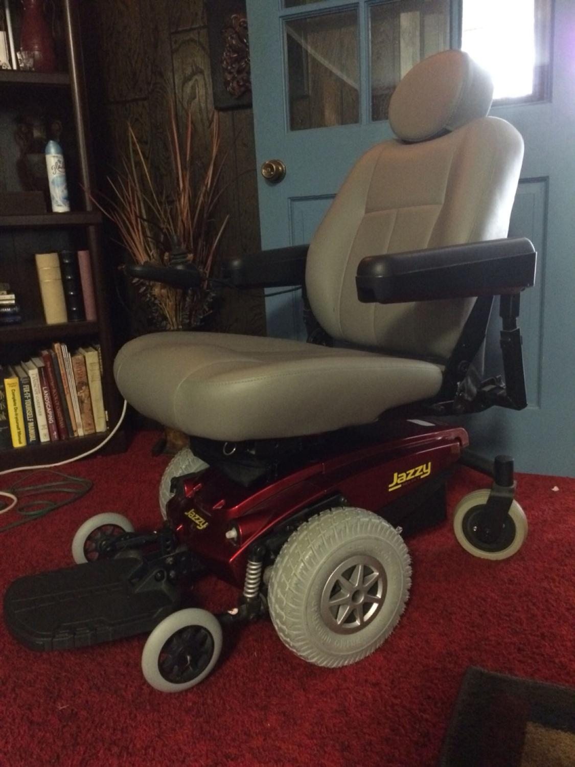 best jazzy select power chair for sale in hattiesburg mississippi for 2019. Black Bedroom Furniture Sets. Home Design Ideas