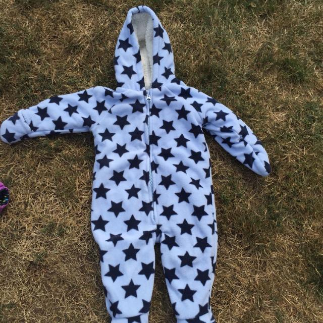 d1e45bfd5 Find more Old Navy Fleece Bunting Suit. Size 6-12 Months. $5 Perfect ...
