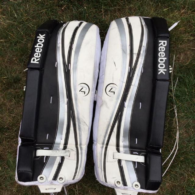 c8b63afd011 Find more Reebok Ice Hockey Goalie Pads Size 26inch Good Used ...