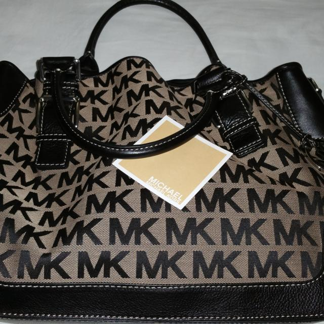 6380c3e2b5d4 Best Michael Kors Brookville Large Mk Signature Black Beige Crossbody Tote  Bag Purse .. In Nearly New Condition.  120 .. Obo  no Dust Bag  for sale in  ...