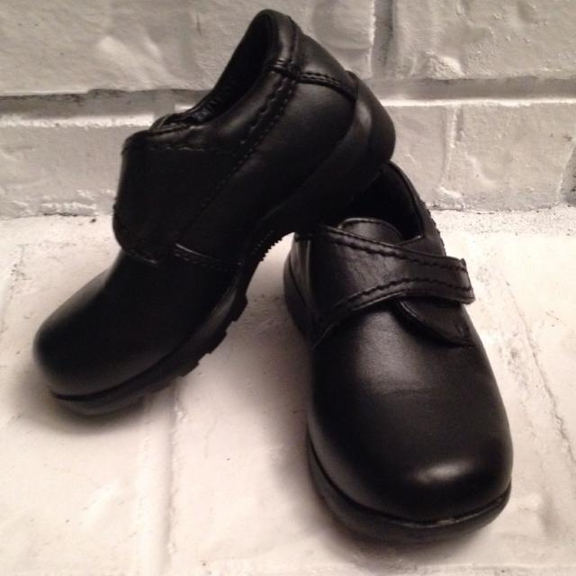 EUC Black Toddler Boy Dress Shoes - Size 8 - worn once for a wedding,