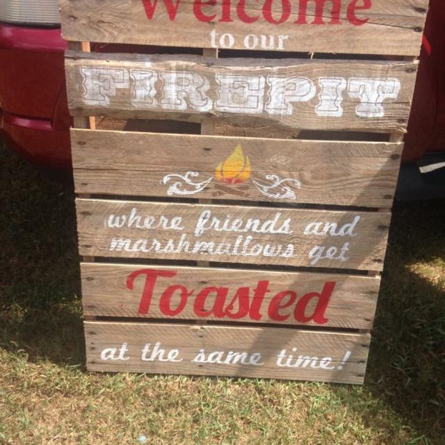 Custom Pallet wood fire pit signs. Made to order. - Best Custom Pallet Wood Fire Pit Signs. Made To Order. For Sale In