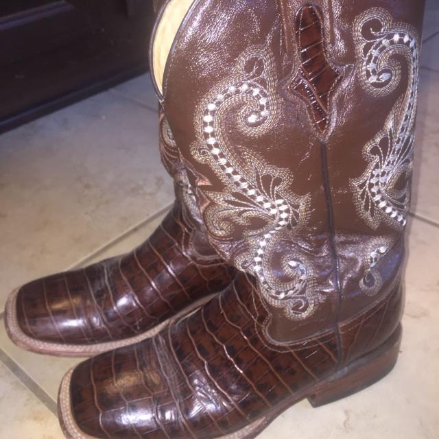 eb16e724277 Women's Ferrini Cowboy Boots Size 8 - Leather Sole. GREAT dancin boots and  look awesome with a dress or daisy dukes. Sad to see them go.