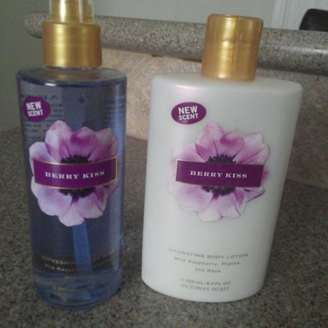 d789fdd1ff20a New Victoria Secret Berry Kiss Body Lotion & Body Mist. REDUCED TO $8.00  the set. I CAN ALSO SEPARATE IF YOU LIKE.