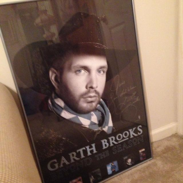 Garth Brooks Christmas Album.Framed And Signed Garth Brooks Christmas Album Cover