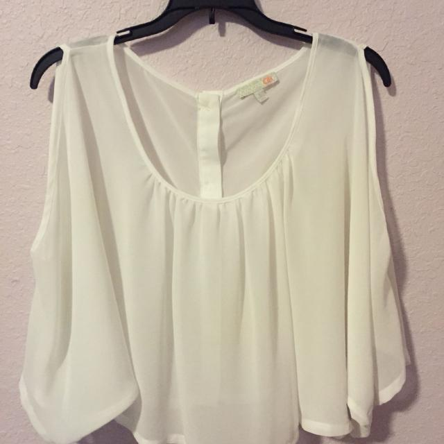 43256cc2eaa Find more Gianni Bini Size L Sheer White Crop Flowy Top for sale at ...