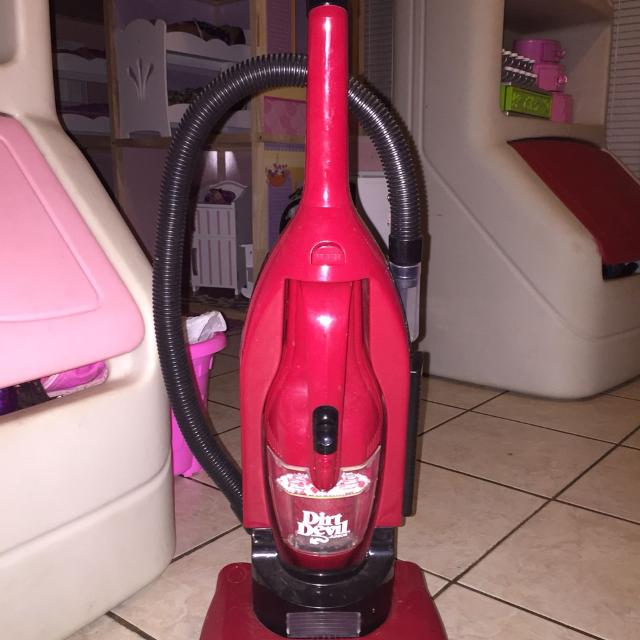 Dirt Devil Kids Vacuum Works Needs Battery