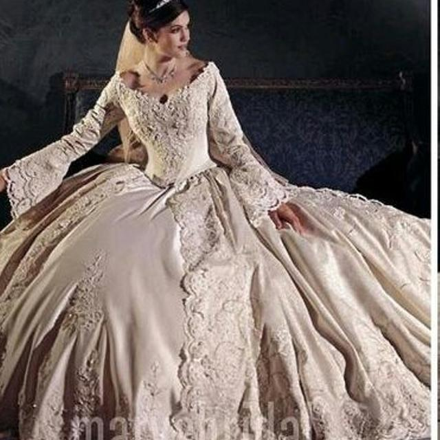 Best Gorgeous Victorian Style Wedding Dress for sale in Winfield ...