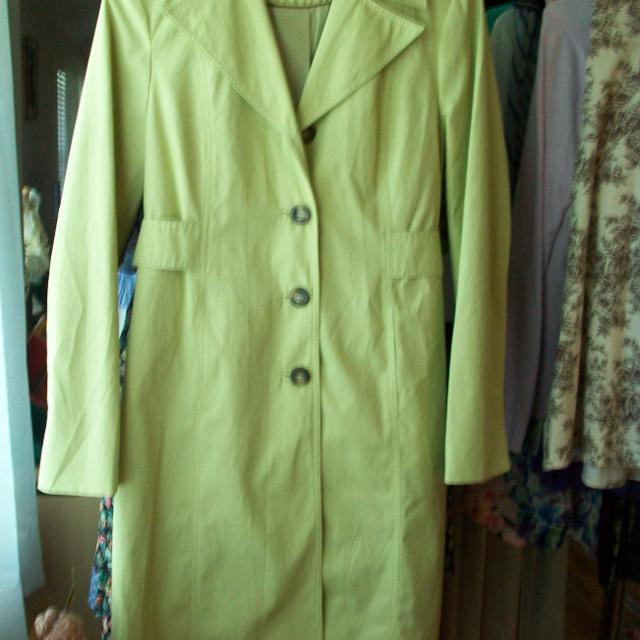 Super discount yet not vulgar pick up Size 6 Michael Kors Trench Coat