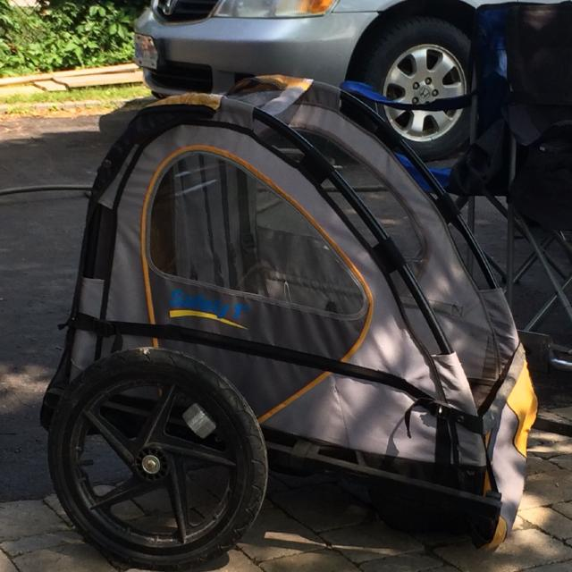 Safety 1st bike trailer with bike attachment and push attachment with  handle  Hold two kids!