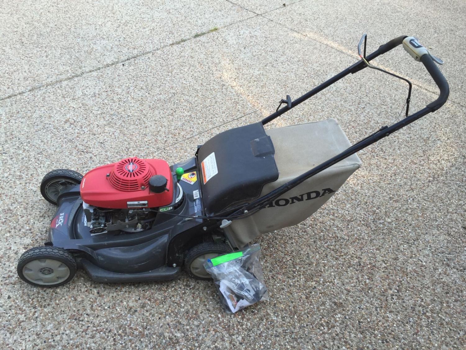 Honda Hrx 217 Versamow Lawn Mower Not Running Needs Carb Rebuilt 60 Obo Would Like Picked Up Today