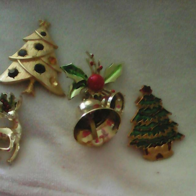 8f8dd1fdb43 Best Vintage Avon And Gerri Christmas Pins for sale in Lake Elsinore,  California for 2019