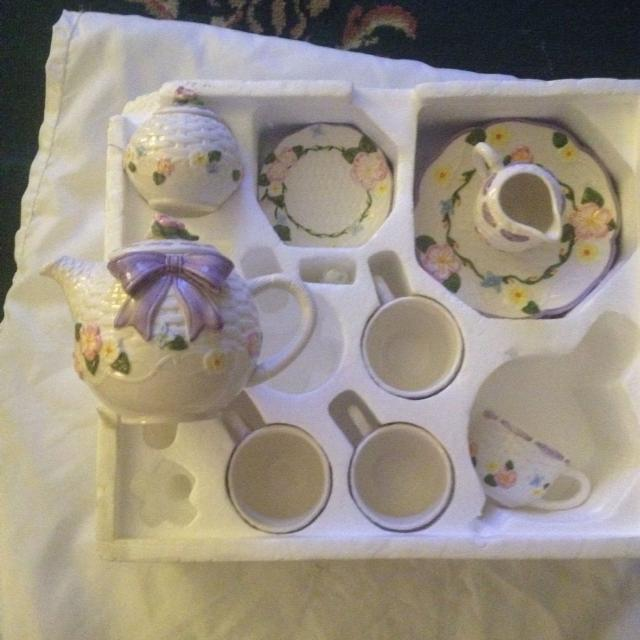 Find More Little Girls Ceramic Tea Set Brand New For Sale At Up To