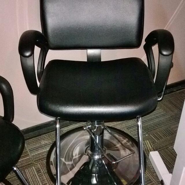 Used Salon Chairs >> All Purpose Salon Chair