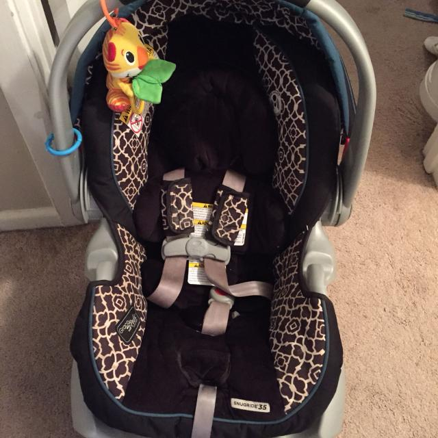 Best Good Condition Graco Snugride35 Infant Car Seat. Always In A ...