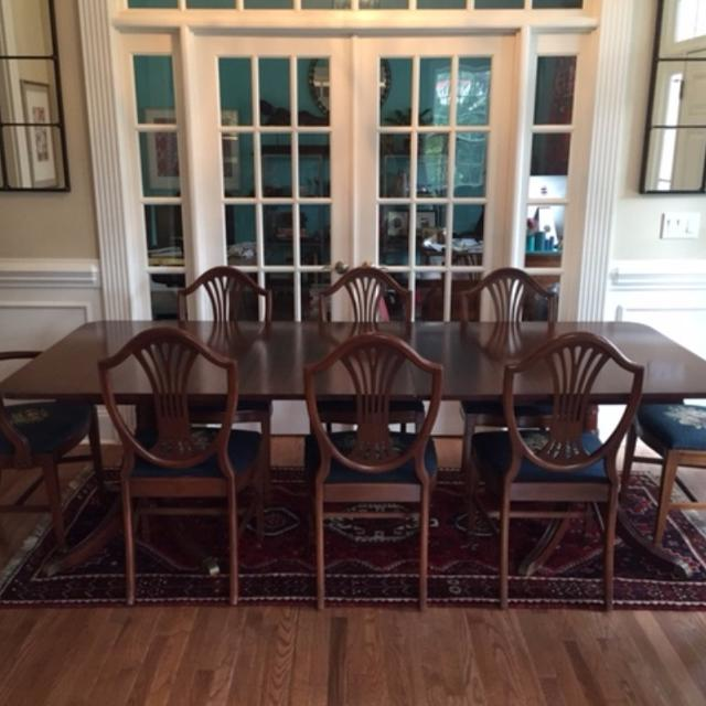 Antique Duncan Phyfe Style Dining Table With 8 Chairs