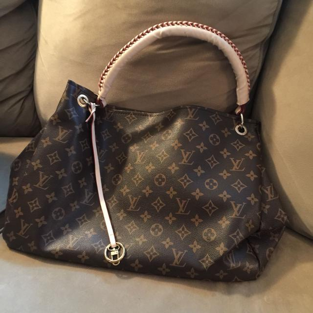 Find more Replica Louis Vuitton Artsy Handbag ~ Reduced!!!! for sale ... 7b736a26494d7