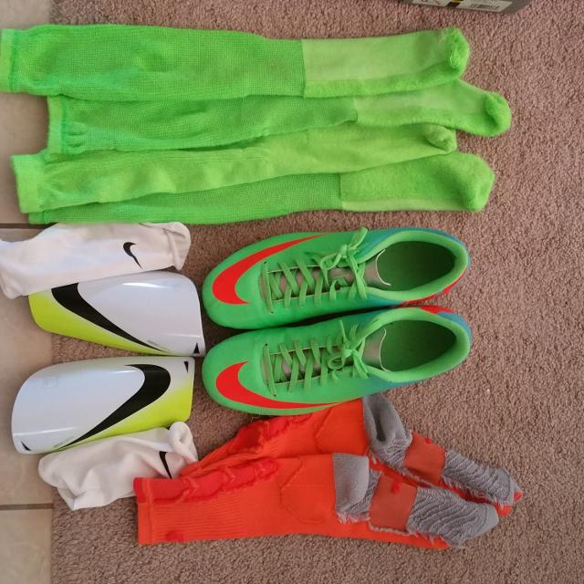 Find more Women s Size 10.5 Nike Soccer Cleats f163e56248