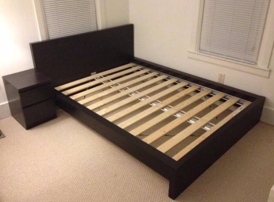 find more queen size ikea malm bed sealy mattress box spring for sale at up to 90 off. Black Bedroom Furniture Sets. Home Design Ideas