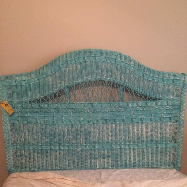 Hand painted wicker headboard, still has tag attached, never used it. Paid  98$ asking 60$