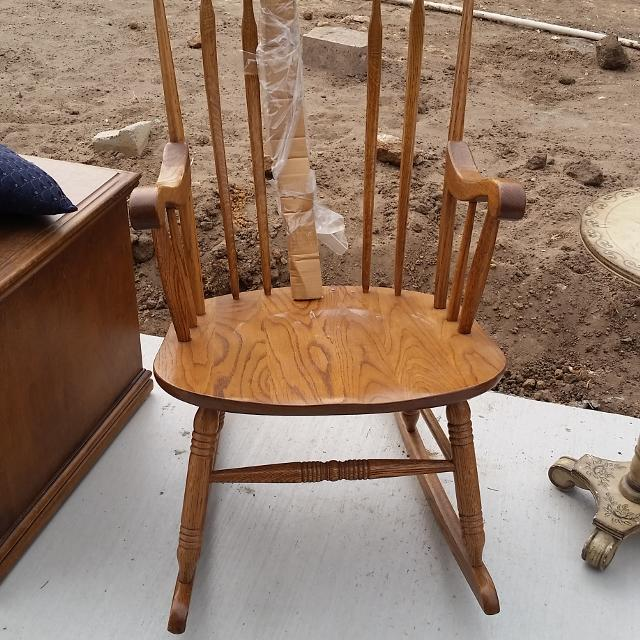 Rocking Chair Broken Spindle But Has A Spare To Install