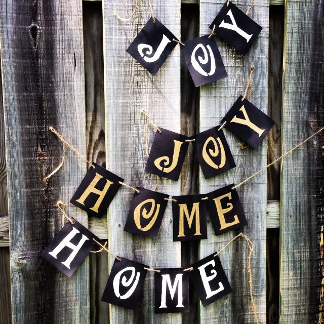 Decor banners•3 letters $10 4-6ish $12 shipped! Pay through PayPal  I can  do any color combo