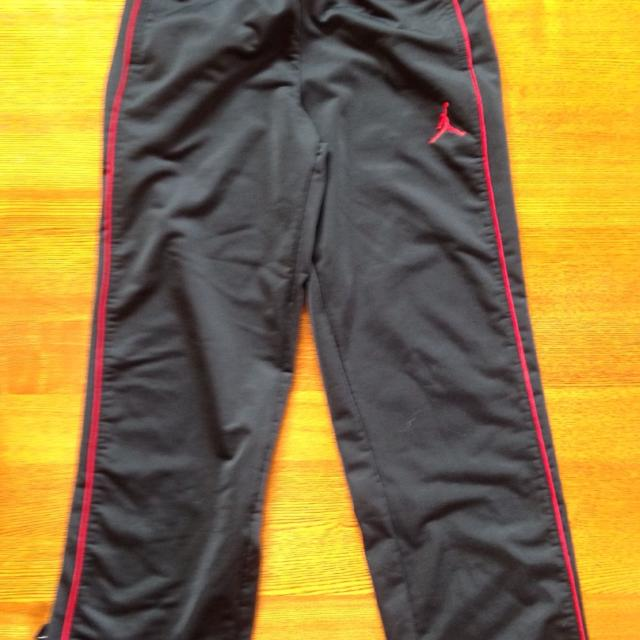 3b86ffe54d3559 Find more Jordan Sweatpants. Youth Small (fits 8-10). Mv Ppu. for ...