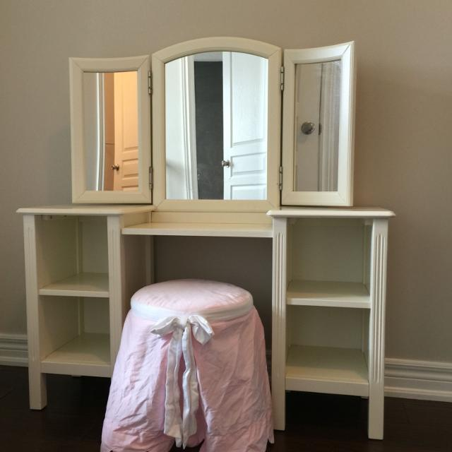 Pottery Barn Madeline Vanity: Find More Pottery Barn Kids Madeline Vanity For Sale At Up